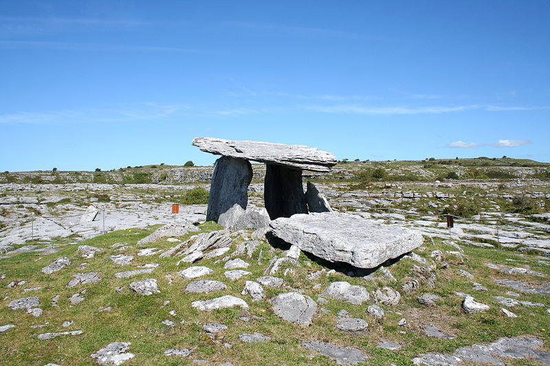 File:Poulnabrone portal tomb 2.jpg