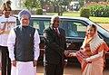 Pratibha Devisingh Patil and the Prime Minister, Dr. Manmohan Singh at the ceremonial reception of President of Mozambique, Mr. Armando Emilio Guebuza, at Rashtrapati Bhavan, in New Delhi on September 30, 2010 (2).jpg