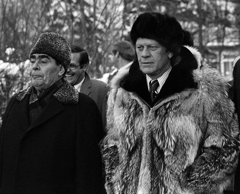 President Ford and Soviet General Secretary Leonid I. Brezhnev - NARA - 7162534 (crop)