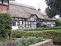 Pretty Thatched Cottages in Crawley - geograph.org.uk - 347121.jpg