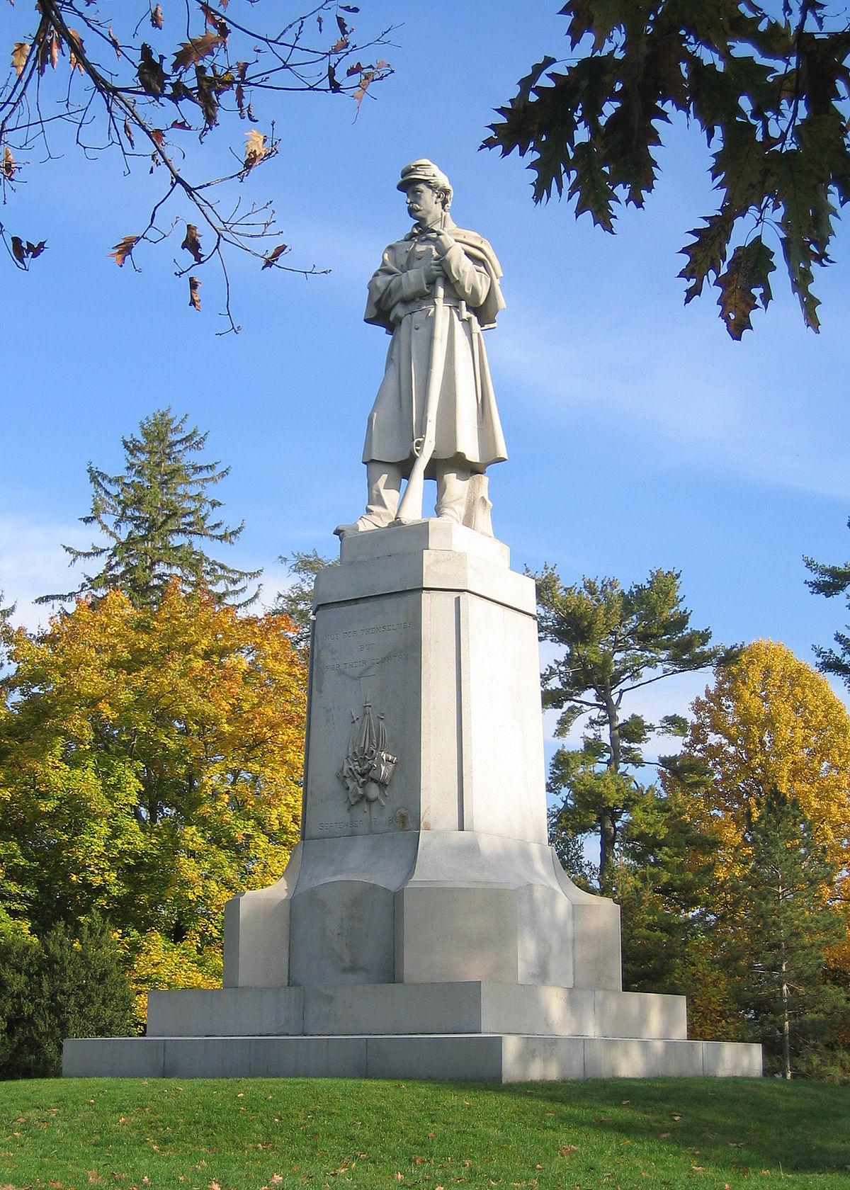 The American Volunteer (statue) - Wikipedia