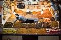 Puesto de frutos en el Zoco -- 2014 -- Marrakech, Marruecos.jpg