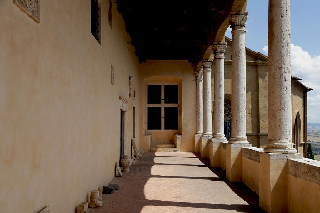 Pienza, Palazzo Piccolomini, la loggetta