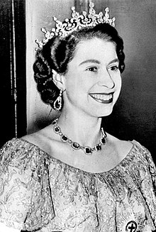 La regina Elisabetta II nel 1953