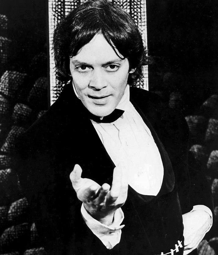 Raul Julia - Dracula