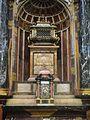 Relicario y sagrario en el trascoro de la catedral de Segovia.JPG