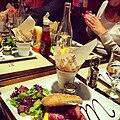 Repas entre amis au restaurant.jpg
