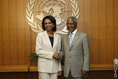 Rice appears with former UN Secretary General Annan to announce the successful passage of Resolution 1701, which imposed a ceasefire on the 2006 Israel-Lebanon conflict