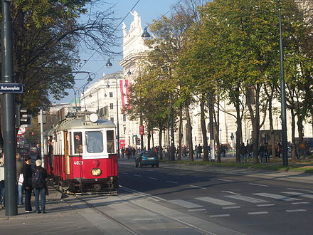 The Ring Road (Ringstrasse) with a historical tram Ringlinien08.JPG