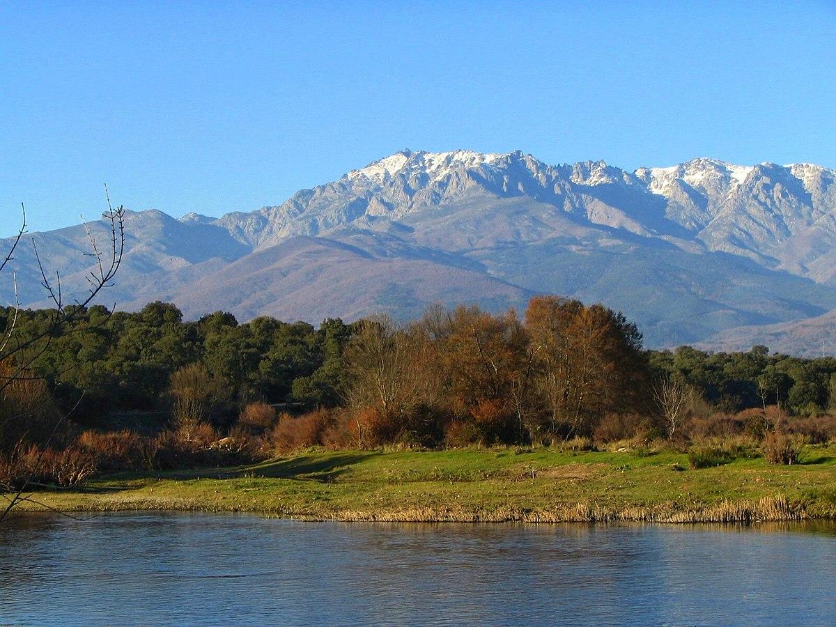 Sierra de gredos wikipedia la enciclopedia libre - Casa rural valle del tietar ...