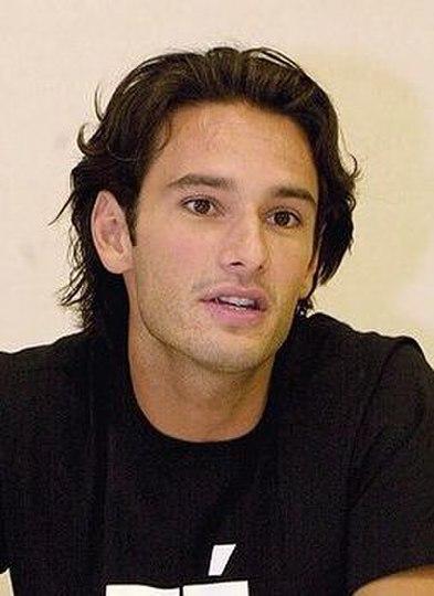 "Obrázek ""http://upload.wikimedia.org/wikipedia/commons/thumb/7/7e/Rodrigo_Santoro.jpg/393px-Rodrigo_Santoro.jpg"" nelze zobrazit, protože obsahuje chyby."