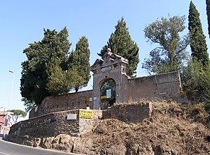 Catacomb of Callixtus - Image: Rom, Calixtus Katakombe, Eingangstor zum Park der Katakombe