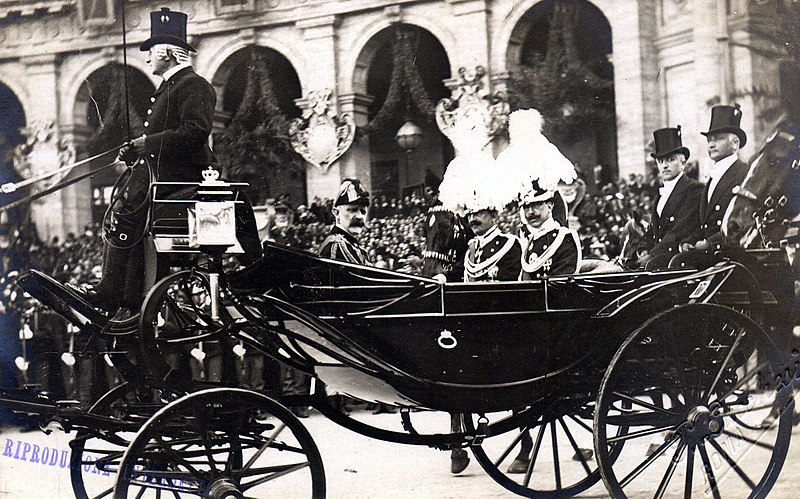 File:Royal Procession Durin Inauguration of King Victor Emmanuel III.jpg