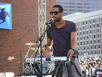 Ryan Leslie - Ryan Leslie performing at the B.U.M.P. Music Festival in Boston in 2010.