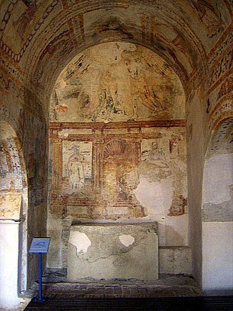 Roman ruins of São Cucufate - The simple monastic altar in the convent, with painted murals