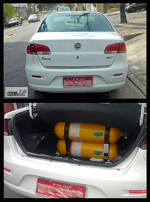 Bi-fuel vehicle - Image: SAO 09 2008 Fiat Siena Tetra Fuel 2 views v 1
