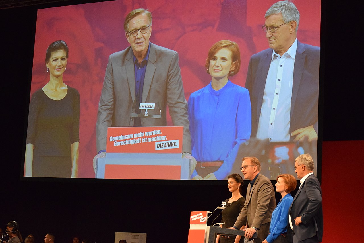 Sahra Wagenknecht, Dietmar Bartsch, Katja Kipping und Bernd Riexinger. Leipzig 2018.jpg