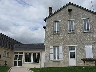 Saint-Loup-de-Naud Commune in Île-de-France, France