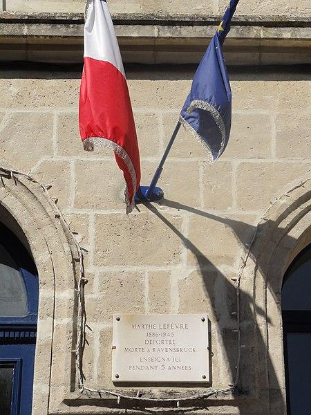 Saint-Thomas (Aisne) mairie, plaque monument institutrice déportée