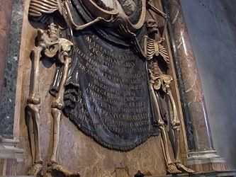 San Pietro in Vincoli tomb 5.jpg