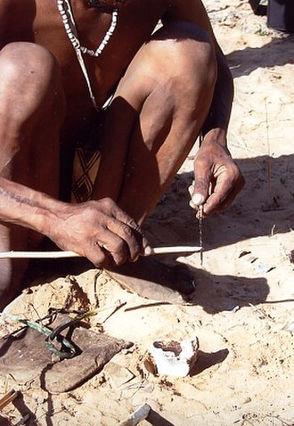 San people - Preparing poison arrows