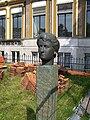 Sappemeer - Buste Aletta Jacobs (1955) van Thees Meesters - 2.jpg