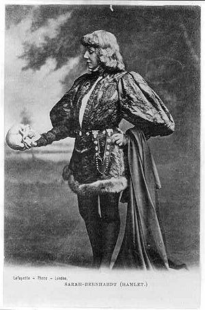 Hamlet in performance - French actress Sarah Bernhardt as Hamlet, in a publicity postcard from the end of the 19th century. Hamlet has been a popular breeches role.