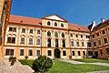 Schloss Jaromerice (37901316224).jpg