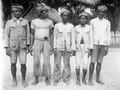 Sea-sea-män, från West-Peling (Väst-Peling), byn Boelagi, Banggaai-arkipelagen, Banggaai. Boelagi - SMVK - 000180.tif