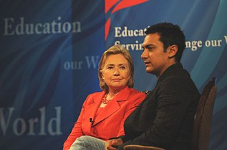Aamir Khan - Khan with United States Secretary of State Hillary Clinton in 2009