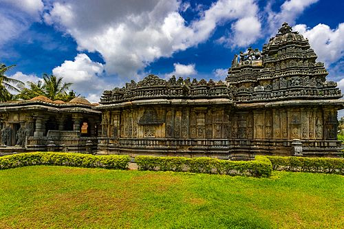 Shri Bucesvara temple - South West Side View-9314.jpg