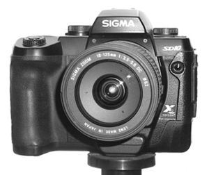 Sigma SD10 front.jpg