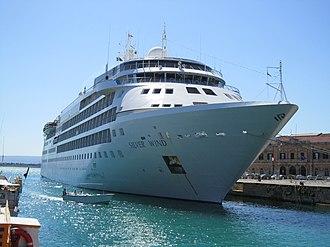 Silversea Cruises - Image: Silver Wind (ship, 1994) 001