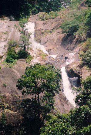 Siruvani Waterfalls - Image: Siruvani Falls Upper Cascades