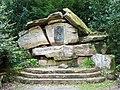Sissi Denkmal (Steinhaufen) - panoramio.jpg