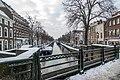 Sneeuw op het Groenwegje en de Dunne Bierkade in Den Haag (9300781808).jpg