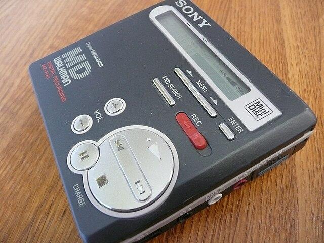 640px-SonyMiniDiscWalkmanMZ-R70.jpg