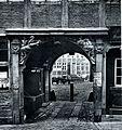 St. Jakobi Kirchhof 1880.jpg