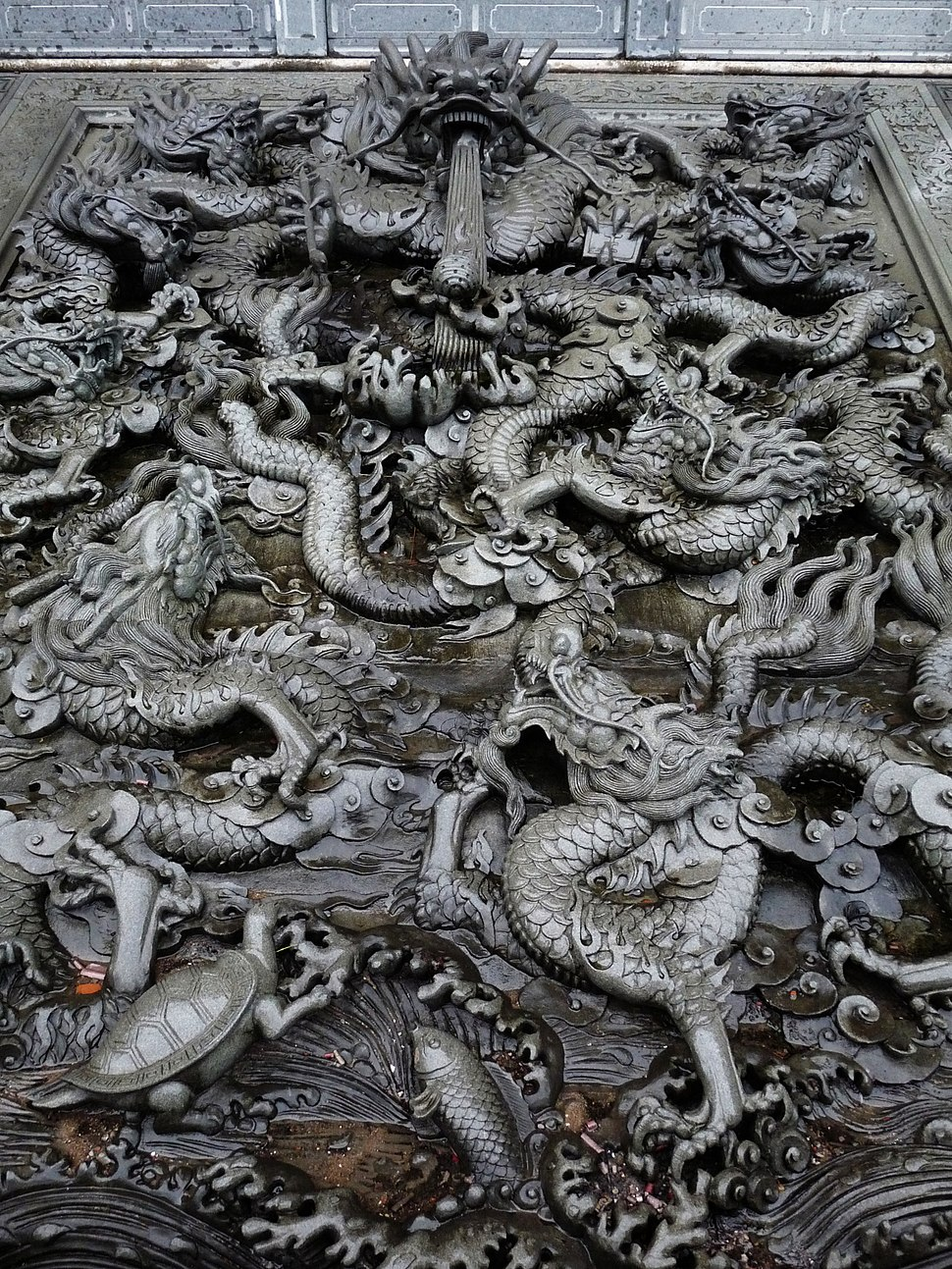 Stone chinese dragons