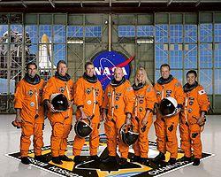 v.l.n.r.: Gregory Chamitoff, Michael Fossum, Kenneth Ham, Mark Kelly, Karen Nyberg, Ronald Garan, Akihiko Hoshide