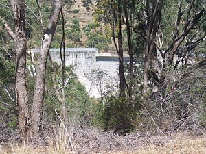 Sturt River - Flood control dam over the river in Flagstaff Hill, in 2007.