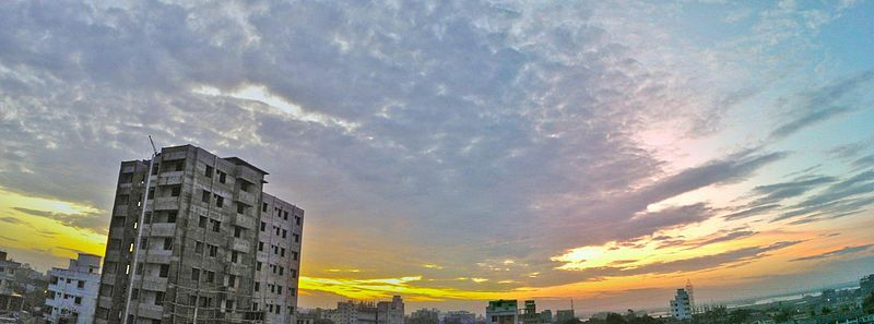 Sunrise in Dhaka (Panorama).jpg