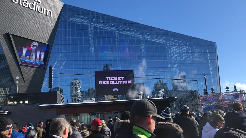 Super Bowl LII Entering the stadium
