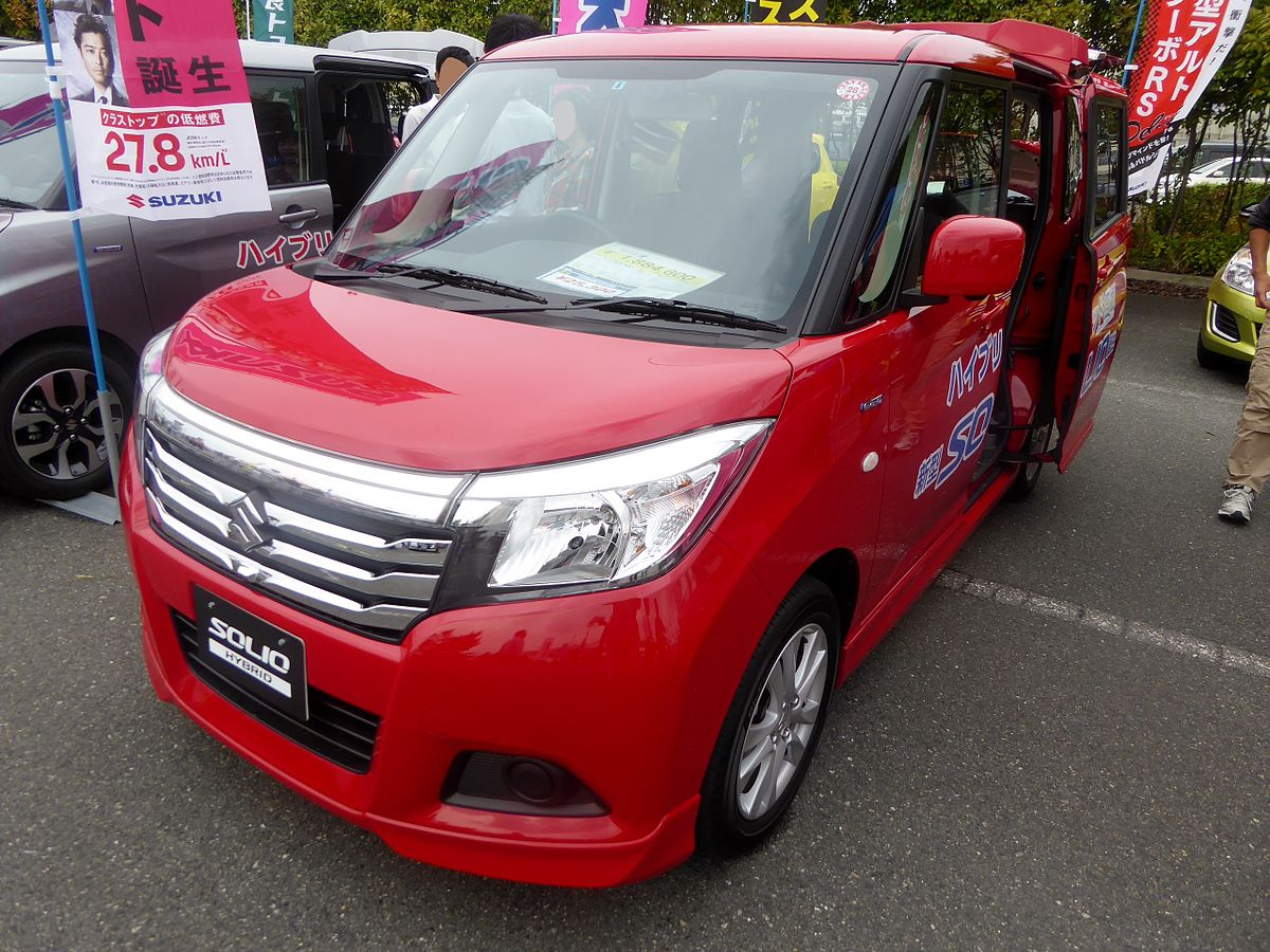 Suzuki SOLIO HYBRID MX (DAA-MA36S) front.JPG