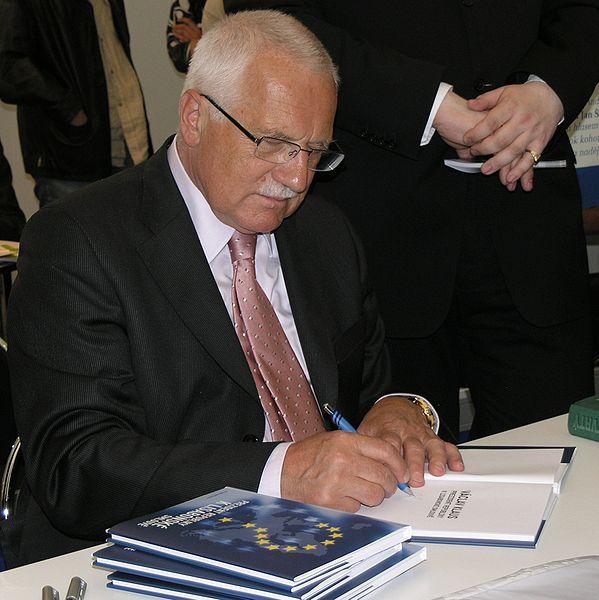 File:Svět knihy 2009 - Václav Klaus 2.jpg