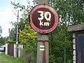 Svojetice, K Jezírku, značka omezené rychlosti 30.jpg