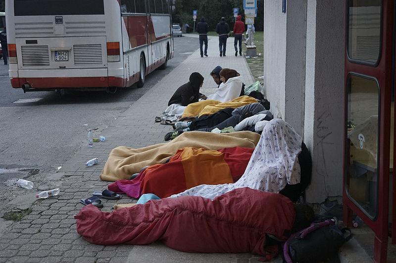 File:Syrian refugees sleeping in the open air during refugee crisis. Budapest, Hungary, Central Europe, 4 September 2015.jpg