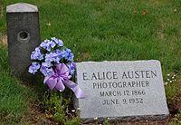 TAG Alice Austen Grave.jpg