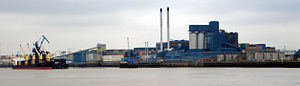 Economy of London - Tate & Lyle sugar refinery, Silvertown