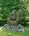 Tauer Friedhof Weltkriegsdenkmal.jpg